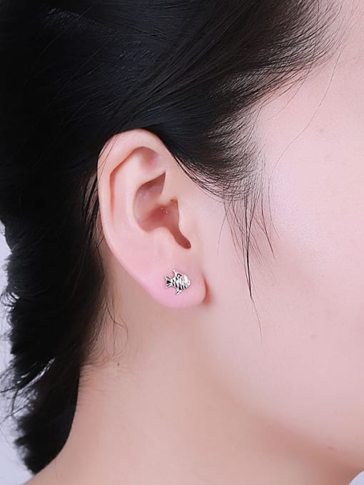 One Silver 925 Silver Fish Shaped stud Earring 1