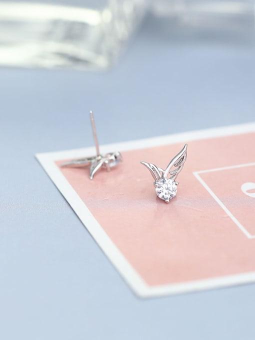 One Silver Women wing Shaped Zircon cuff earring 2
