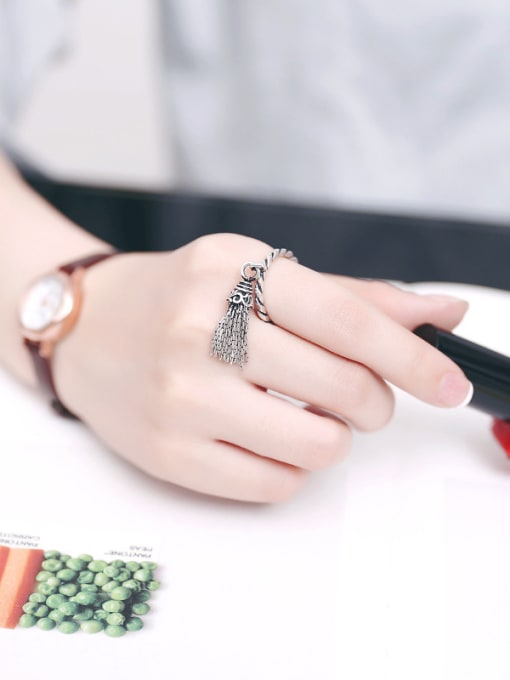 Peng Yuan Fashion Tassels Silver Opening Ring 1