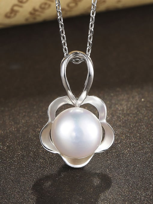 One Silver WomenTemperament Freshwater Pearl Pendant 2