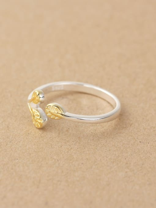 Peng Yuan Gold Plated Leaves Opening Midi Ring 2