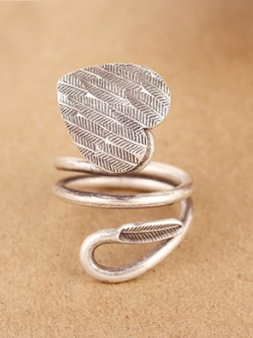 Peng Yuan Personalized Handmade Silver Heart-shaped Ring