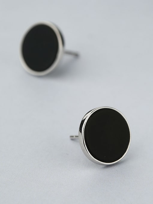 One Silver Black Round Shaped stud Earring 2