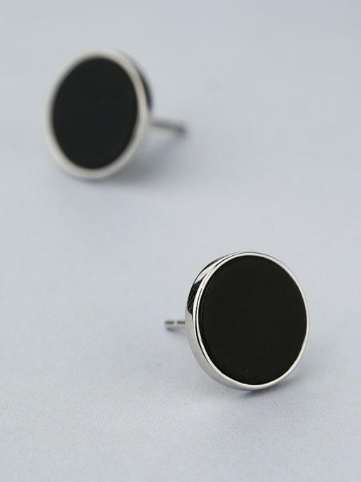 White Black Round Shaped stud Earring