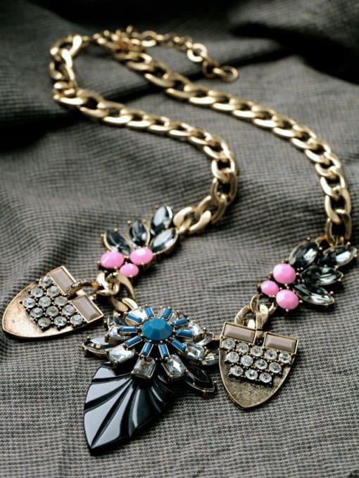 KM Leave-shape Pendant Women Necklace 2