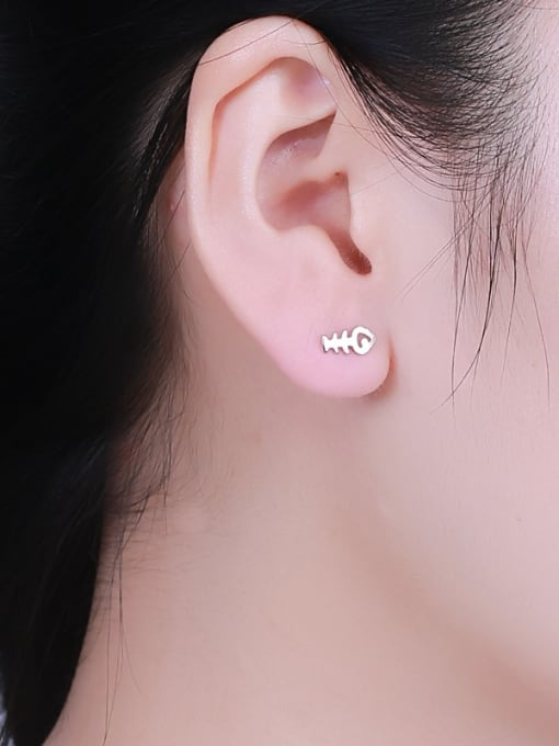One Silver Exquisite Fishbone Shaped stud Earring 1