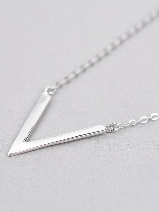 Peng Yuan Simple V-shaped Silver Women Necklace 3