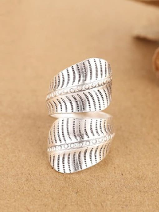 Peng Yuan Personalized Leaf-shaped Handmade Opening Ring