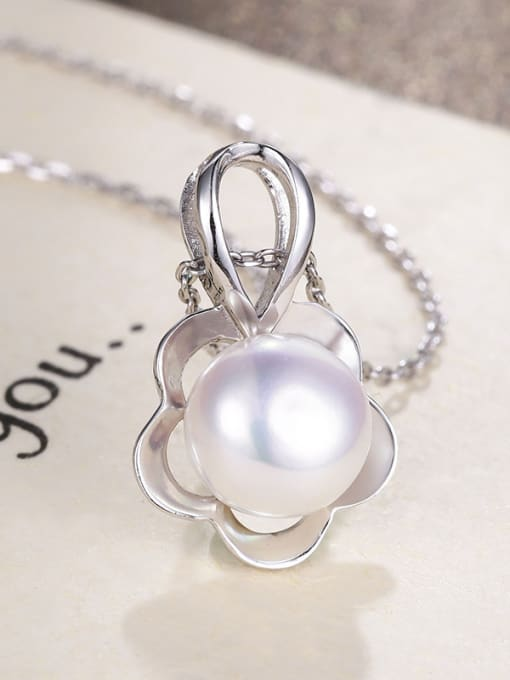 One Silver WomenTemperament Freshwater Pearl Pendant 0