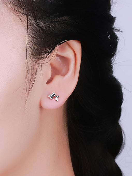 One Silver Women Fresh Fish Shaped stud Earring 1