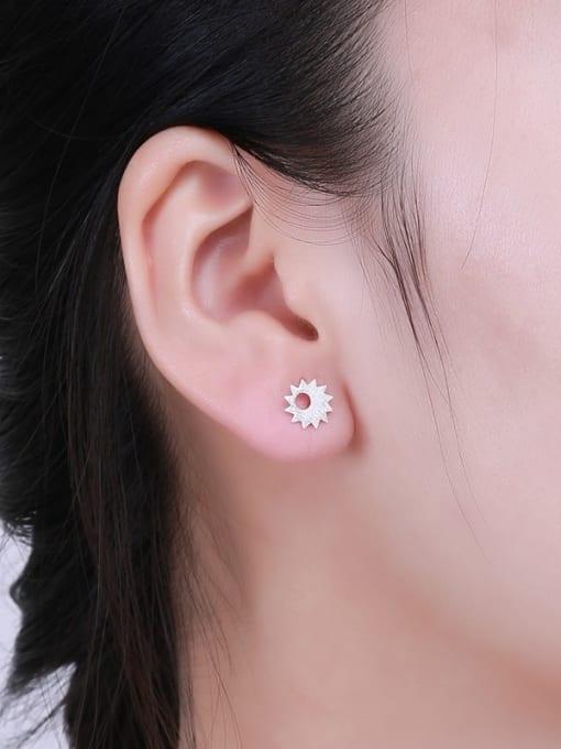 One Silver Women Elegant Flower Shaped stud Earring 1