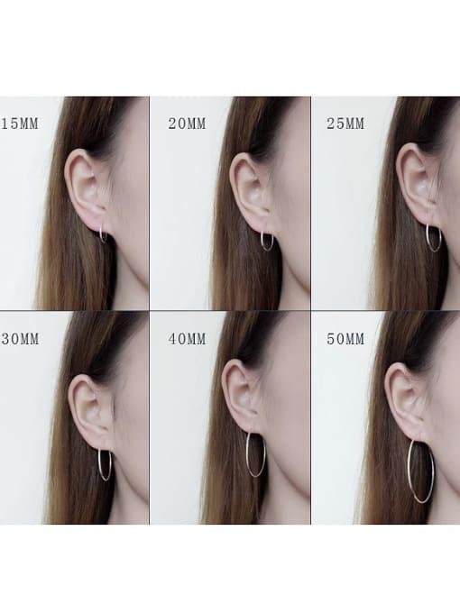 Peng Yuan Simple Refined Silver Loop Earrings 1