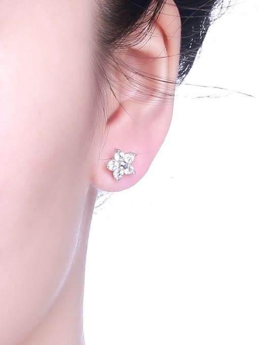 One Silver 925 Silver Star Shaped Zircon stud Earring 1