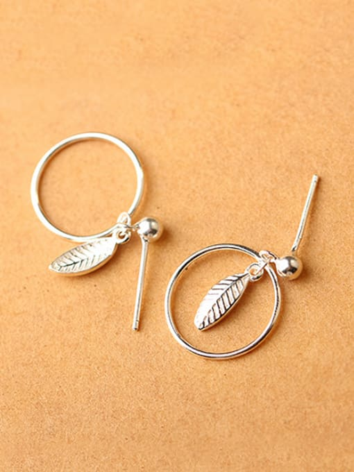 Peng Yuan Hollow Round Leaf Silver drop earring 1