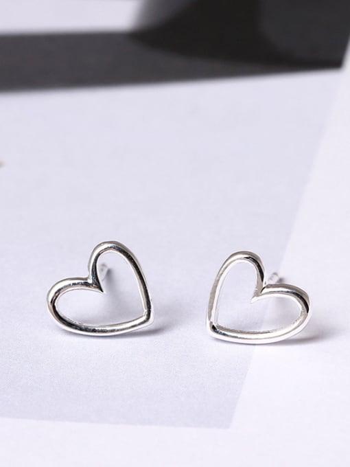 SILVER MI Simple Heart-shaped Hypoallergenic stud Earring