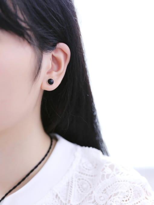 Peng Yuan Round Black Carnelian stud Earring 1