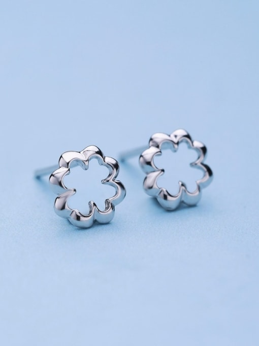 One Silver 925 Silver Exquisite Flower Shaped stud Earring 3
