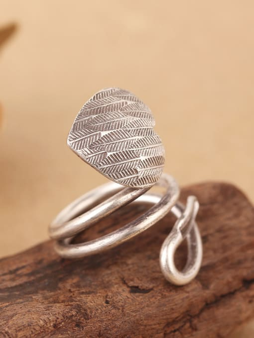 Peng Yuan Personalized Handmade Silver Heart-shaped Ring 3