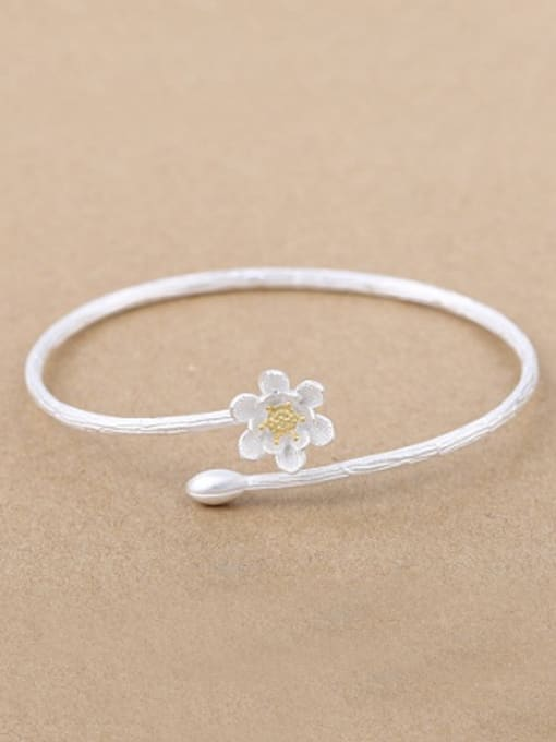 Peng Yuan Simple Flower Silver Opening Bangle
