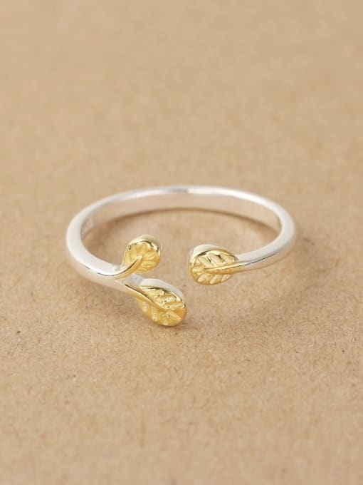 Peng Yuan Gold Plated Leaves Opening Midi Ring