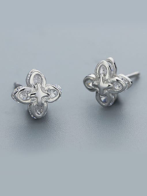 One Silver Delicate 925 Silver Flower Shaped Earrings 0