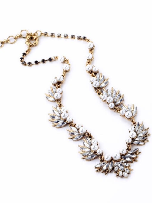 KM Shining Rhinestones Leaves-shape Necklace 1