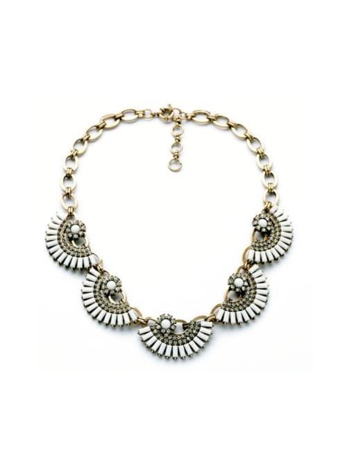 White Luxury Fan-shape Women Necklace