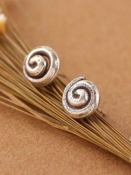 Peng Yuan Retro Thai Silver stud Earring 1
