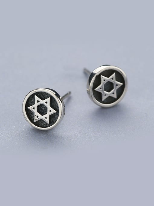 One Silver Retro Style Star Shaped stud Earring