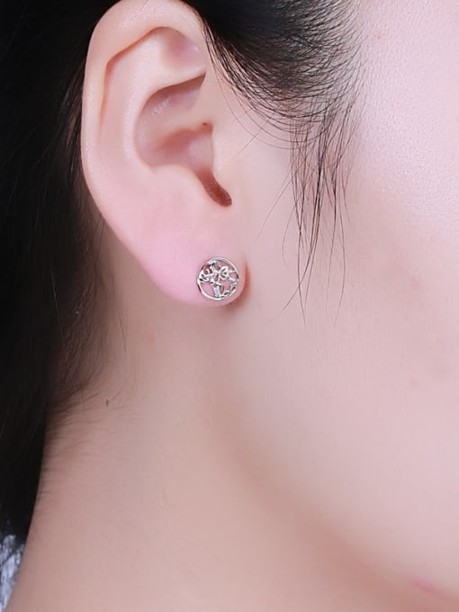 One Silver Exquisite Butterfly Shaped stud Earring 1