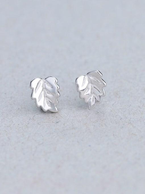 One Silver 925 Silver Leaf Shaped stud Earring 2