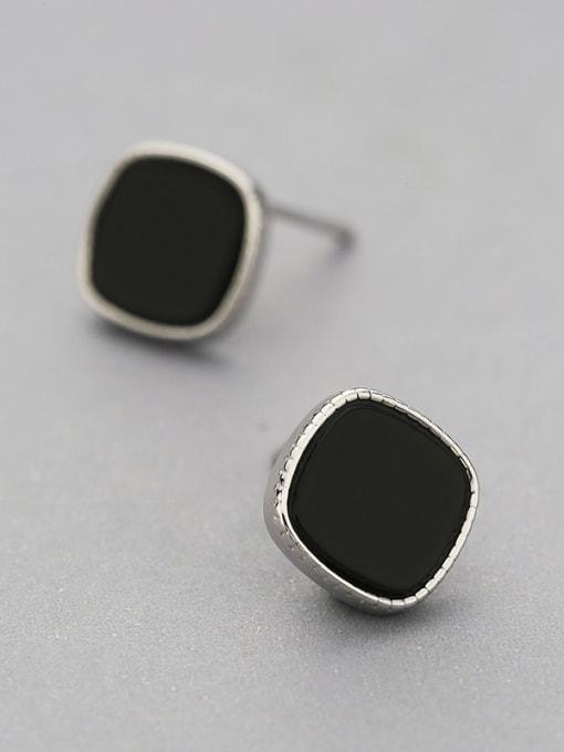 One Silver 925 Silver Black Round Shaped stud Earring 2
