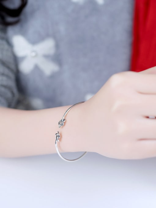 Peng Yuan Retro Little Knot Opening Bangle 1