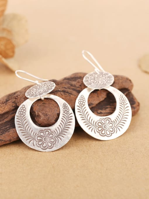Peng Yuan Ethnic style Handmade Flower-etched hook earring 2