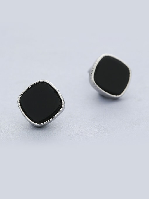 One Silver 925 Silver Black Round Shaped stud Earring 0