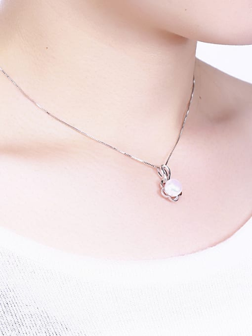 One Silver WomenTemperament Freshwater Pearl Pendant 1