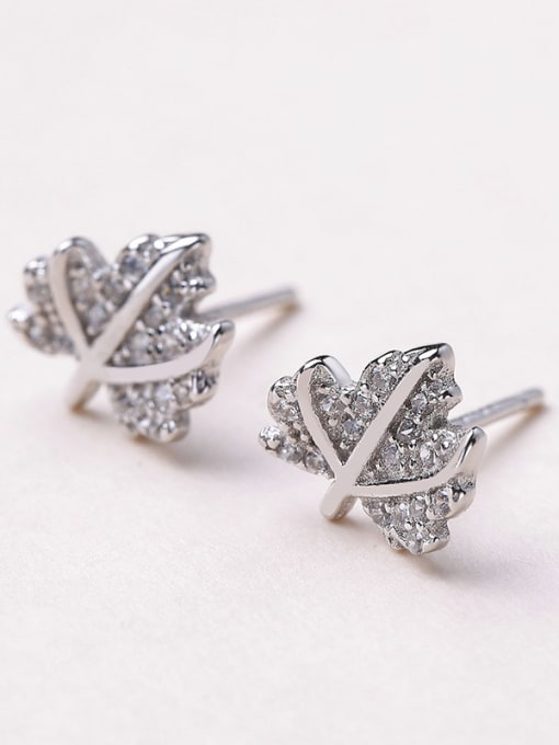One Silver Charming 925 Silver Leaf Shaped stud Earring 2