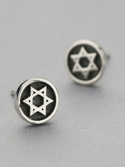 One Silver Retro Style Star Shaped stud Earring 1