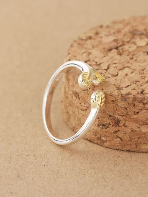 Peng Yuan Gold Plated Leaves Opening Midi Ring 1