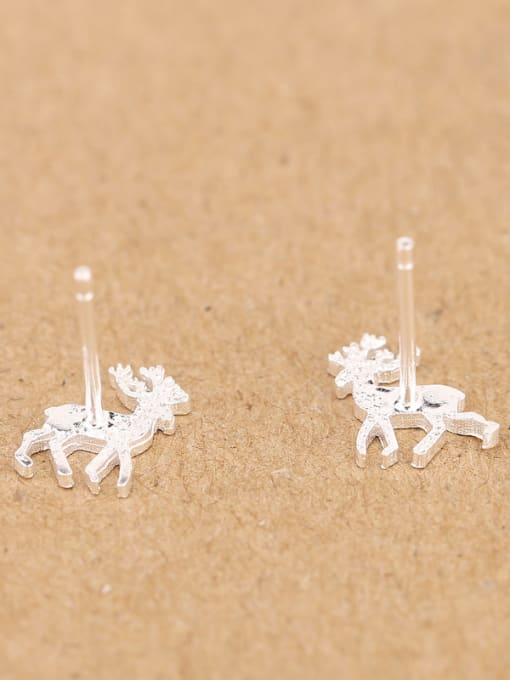 Peng Yuan Simple Tiny Deer stud Earring 3