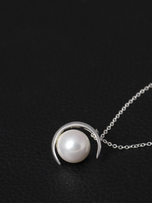 SILVER MI Moon Shell Pearl Clavicle Necklace 1