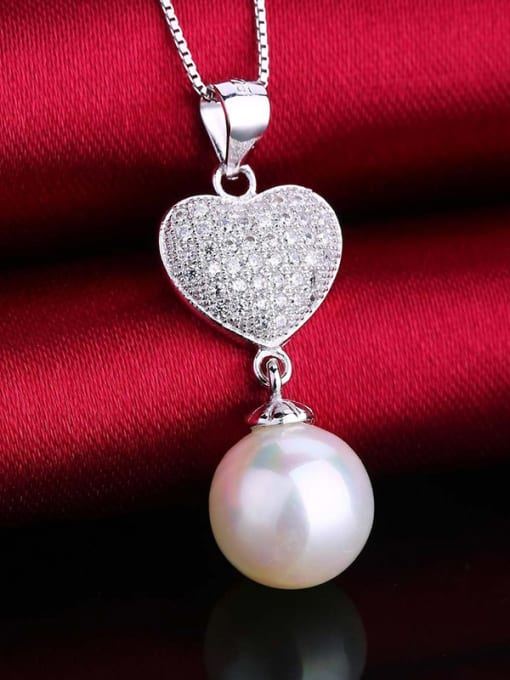 White All-match Freshwater Pearl Heart Pendant