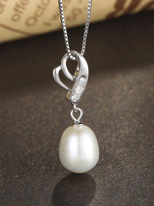 One Silver Temperament Heart Shaped Freshwater Pearl  Pendant 2