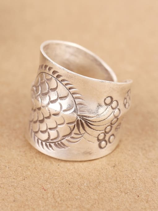 Peng Yuan Ethnic Handmade Silver Fish-etched Ring 2