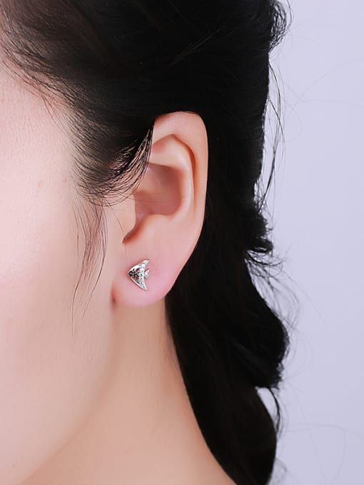 One Silver Lovely Tropical Fish Shaped stud Earring 1