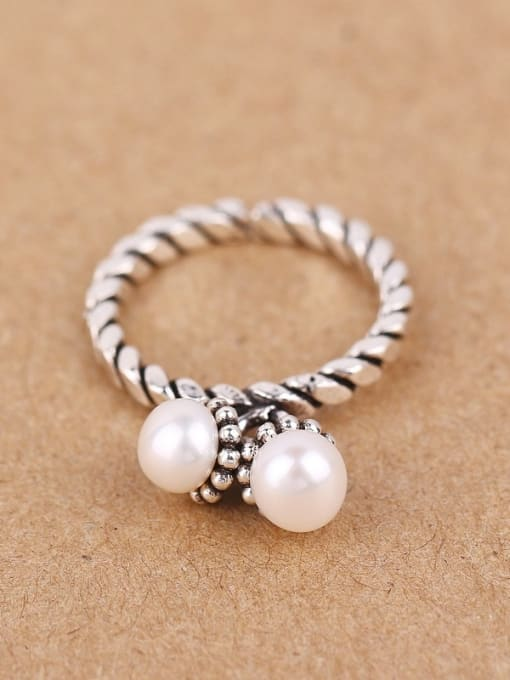 Peng Yuan Freshwater Pearls Twisted Silver Ring