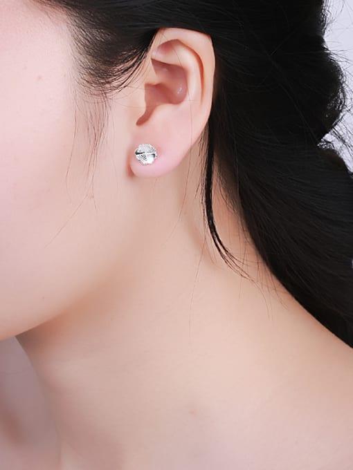 One Silver Elegant Clover Shaped Silver Earrings 1