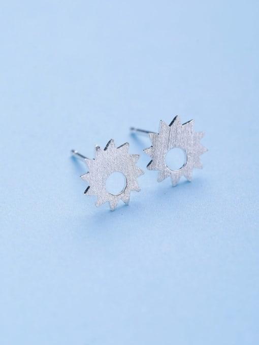 One Silver Women Elegant Flower Shaped stud Earring 3