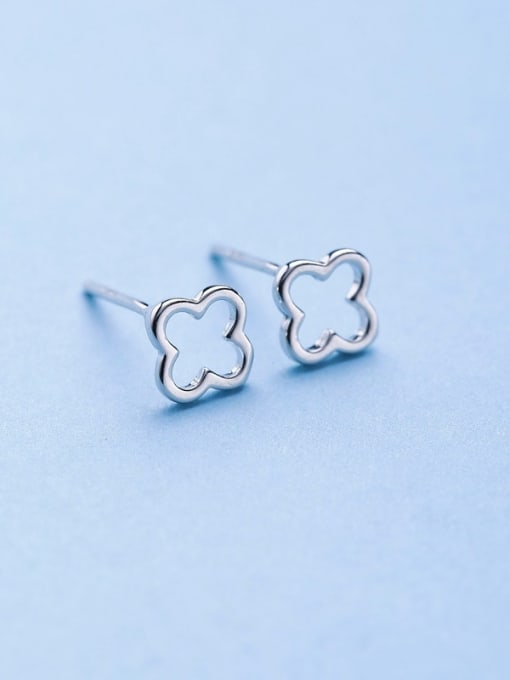 One Silver 925 Silver Clover Shaped stud Earring 0