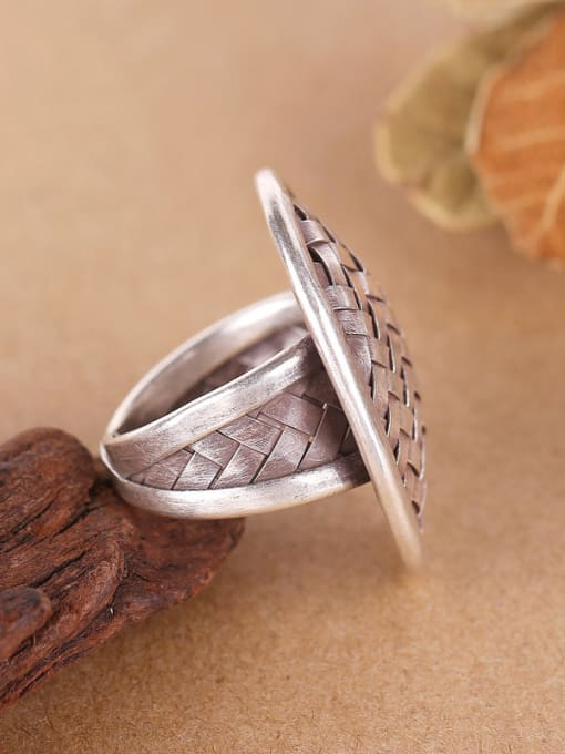Peng Yuan Exaggerated Oval Woven Silver Ring 1